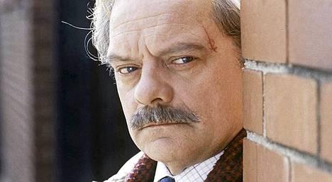 David Jason näytteli äreää komisario Frostia kahdeksantoista vuoden ajan.