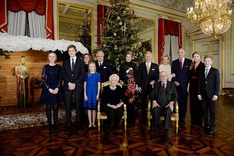 Belgian kuninkaallinen perhe poseerasi yhteiskuvassa joulukuussa 2019.
