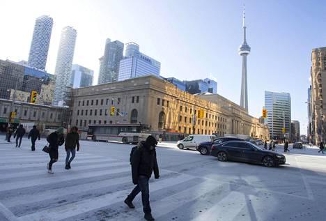 Toronto heräsi lauantaina normaalia huomattavasti kylmempään säähän, -23 celsiusasteen pakkaseen. Tuolloin pakkaset olivat jatkuneet Torontossa jo 12 päivää putkeen.
