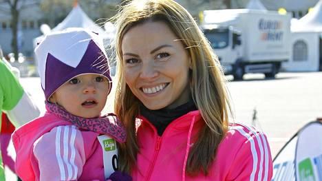 Mila ja Mari Valosaari.