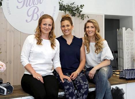 Susanna Laine hoitaa TwistBen taloutta ja logistiikkaa, Veera Brückler on toimitusjohtaja ja Kati Partanen vastaa markkinoinnista ja myynnistä.