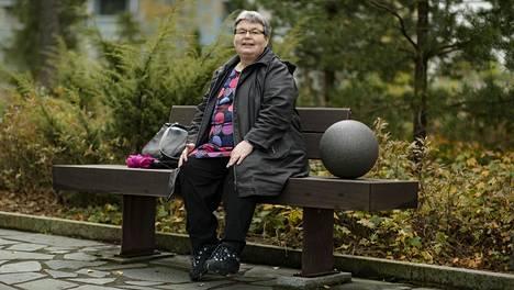 Ritva Panula muutti Myyrmäestä Leinelään kolme vuotta sitten. Leinelä on nuori ja kehittyvä asuinalue, jossa palveluita on vielä niukasti. Sen näkee myös tilastoista.