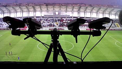 Prozone kuvaa Valioliigan ottelut kahdeksalla kiinteällä kameralla ja tietokonesovellus käy ottelut läpi automaattisesti.
