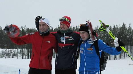 Vuonna 2011 nuori Ari Luusua sijoittui Vuokatin Skandinavia-cupissa kolmanneksi hänelle epätyypillisesti vapaan hiihtotavan 15 kilometrillä.