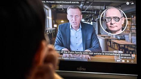 """Oppositiopoliitikko Aleksei Navalnyi julkaisi viime viikolla """"Putinin palatsi"""" -nimisen videon, jolla esiteltiin Putinin ökytaloksi väitetty rakennus."""