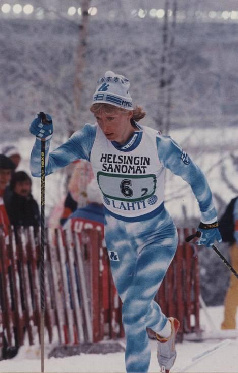 Marja-Liisa Kirvesniemi on Suomen menestyneimpiä maastohiihtäjiä.