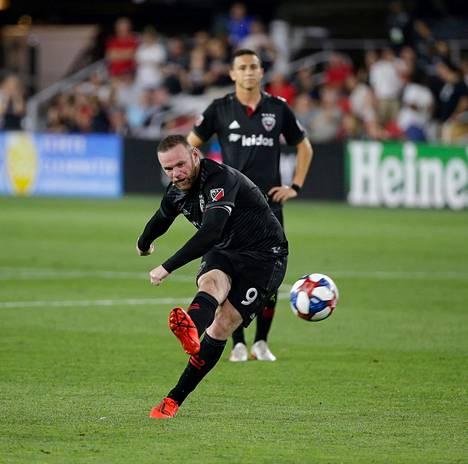 Brittiläinen futistähti Wayne Rooney edustaa nykyään D.C. Unitedia.