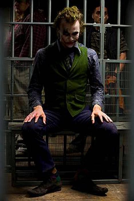 Heath Ledger näytteli Jokeria Yön ritari -elokuvassa.
