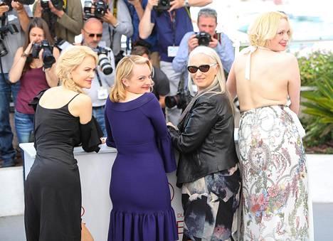 Nicole Kidman, Elisabeth Moss, Jane Campion ja Game of Thrones -sarjasta tuttu Gwendoline Christie, joka on 190,5 cm pitkä.