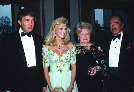 Donald Trump, Ivana Trump, Mary Anne Trump ja Fred Trump New Yorkissa 1989.