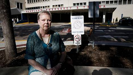 Phyllis Hall oli traumahoitajana huoneessa jonne John F. Kennedy tuotiin Parkland Memorial sairaalassa.