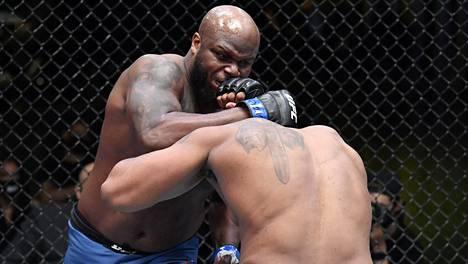 Derrick Lewis (vas.) tyrmäsi Curtis Blaydesin sunnuntain vastaisena yönä Suomen aikaa UFC:n ottelussa.