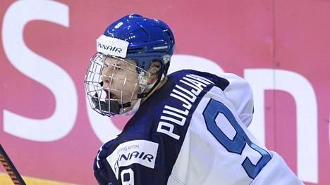 Jesse Puljujärvi oli Suomen parhaita pelaajia avausottelussa.