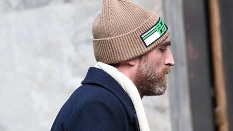 Miehetkö pukeutuvat aina järkevästi? Älytön pipotrendi saapui maailmalta Suomeen