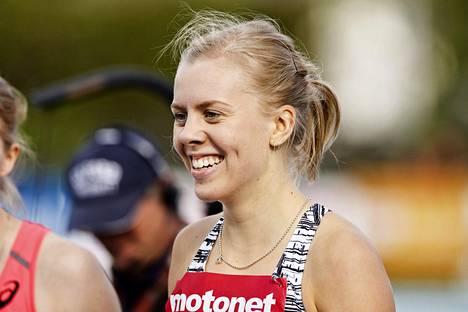 Hilla Uusimäki ei ole vielä päättänyt, onko hänen päämatkansa 400 metrin sileä vai aidat.