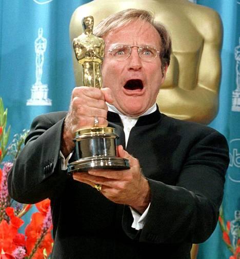 Williams voitti itse Oscarin parhaasta miessivuosasta elokuvasta Good Will Hunting vuonna 1998.