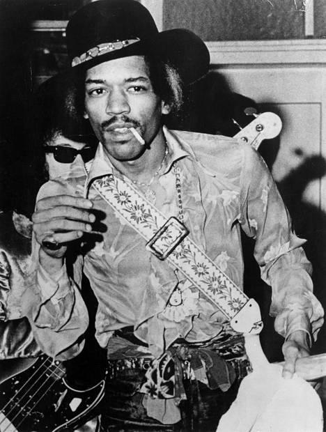 Jimi Hendrixin kuuluisa kitara nähtiin muun muassa Woodstockin lavalla.