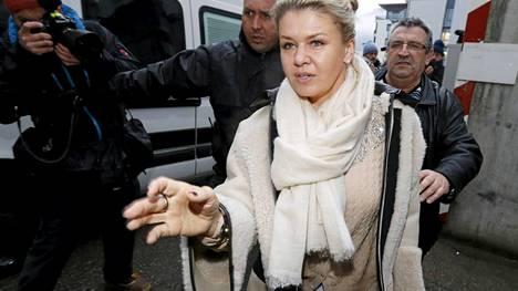 Michael Schumacherin vaimo Corinna on vieraillut päivittäin miehensä luona.