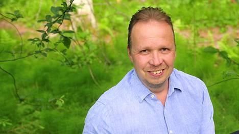–Tarkoituksemme on tehdä liiketoimintaa uuden konseptimme mukaisilla lisenssisopimuksilla ja tuotteemme kaupallistaminen ja tuotteistaminen on hyvässä vauhdissa, Mika Salomäki kertoo.