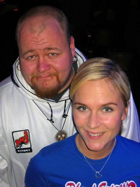 Suosikkijuontajat vuosimallia 2004! Sami Tenkanen ja Kristiina Komulainen juonsivat tuohon aikaan NRJ:llä.