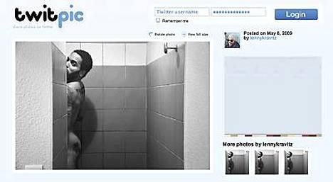 - Eikö kundi saa olla suihkussa rauhassa?, Kravitz kysyy itse otattamastaan kuvasta.
