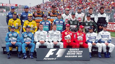 Tässä porukassa Kimi Räikkönen ajoi ensimmäisen F1-kilpailunsa.