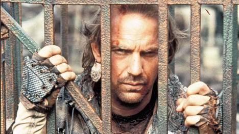 Kevin Costner tuotti Waterwordlin ja pisti siihen liki 20 miljoonaa euroa omasta pussistaan. Ohjaaja Kevin Reynolds ja päätähti Costner olivat jatkuvasti tukkanuottasilla elokuvan kuvauksissa.