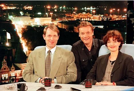 Esko Seppänen, Timo T.A. Mikkonen ja Kirsi Piha vuonna 1996.