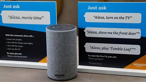 Alexa-digiavustajaa käytetään yleensä älykaiuttimen kautta. Kuvassa Amazonin Echo-kaiutin.