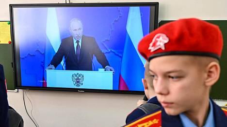 """Putin varoitti Eurooppaa uusista ohjuksista: """"Kohdistamme aseemme paikkoihin, joissa ohjuksista päätetään"""""""