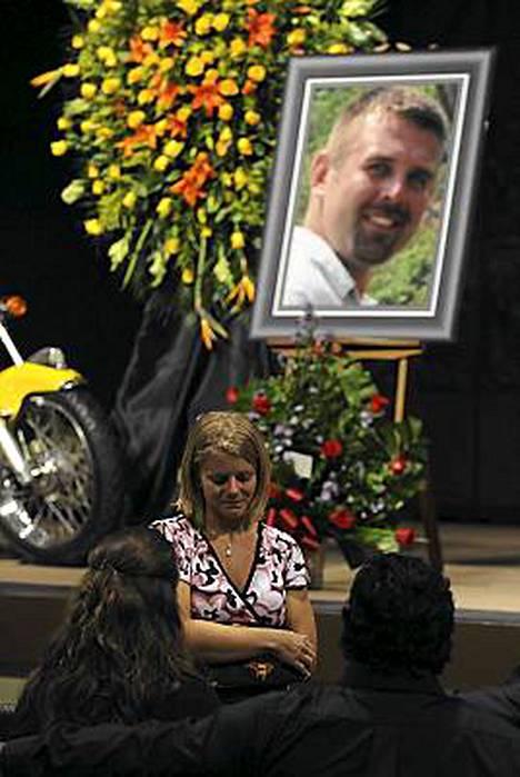 David Hartleyn ruumista ei ole vielä löydetty järvestä.