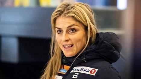 Norjan hiihtokuningatar Therese Johaug tavoittelee tänä iltana kovaa yleisurheilutulosta.