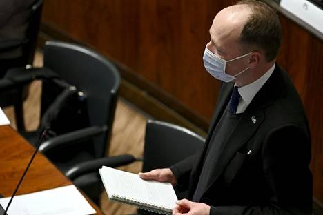 Jussi Halla-aho tarttui eduskunnan EU:n budjettia ja elvytyspakettia käsittelevässä keskustelussa keskustan ryhmäpuheenjohtaja Antti Kurvisen sanoihin.