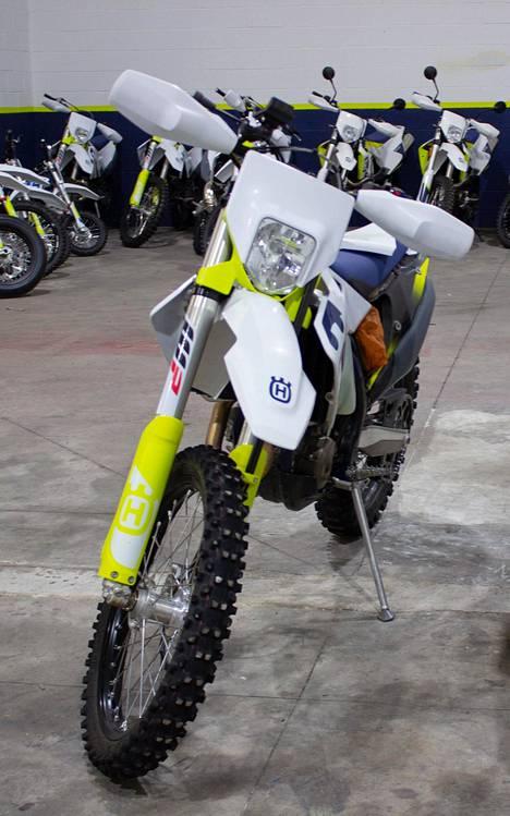 Espanja on moottoripyöräsafareiden paratiisi, mutta maassa on myös kummallisuuksia. Elämysyrittäjä Kari Tiaisen mukaan yhden pyörän rekisteröimiseen kuluu kokonainen päivä ja mañana aiheuttaa viivästyksiä.