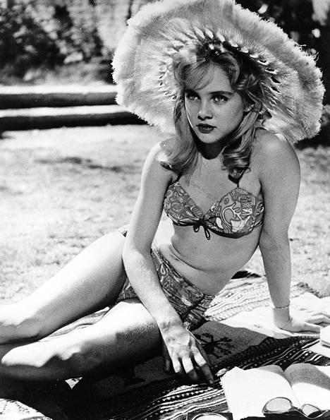 Lolita oli Lyonin ensimmäinen elokuvarooli.