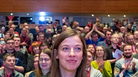 Li Andersson piikitteli oppositiossa olevia perussuomalaisia ja kokoomusta puoluekokouspuheessaan perjantaina.