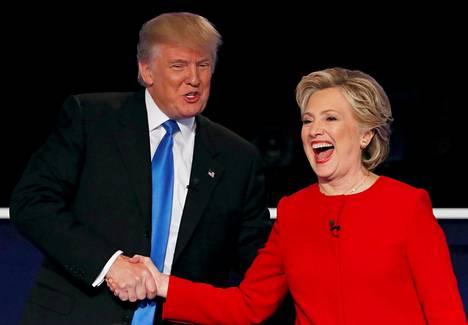 Hillary Clinton oli demokraattien presidenttiehdokkaana vuonna 2016. Tuolloin Trump ja hänen kannattajansa vaativat tutkintaa entisen ulkoministerin toiminnasta.