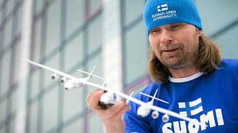 Vesa Heilala on yksi suomalaisista, joka on jo maksanut lentolipun avaruuteen Virgin Galactin lennolla.