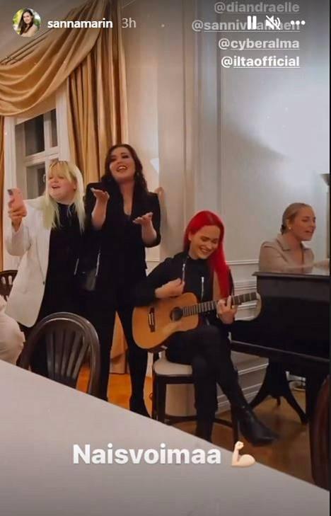 Alma, Diandra, Sanni ja Ilta esiintyivät dynaamisena nelikkona Kesärannassa.