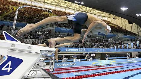 Michael Phelps pääsi finaaliin vain 7 sadasosan marginaalilla.
