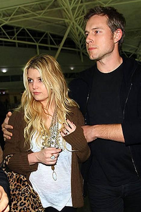 Jessica Simpson ja Eric Johnson sunnuntaina New Yorkissa.