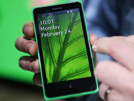 Nokia X -malliston puhelin.