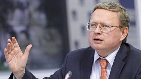 Ekonomisti Mihail Deljagin on usein käytetty asiantuntija Venäjän valtiollisilla tv-kanavilla. Kuva maaliskuulta 2017.