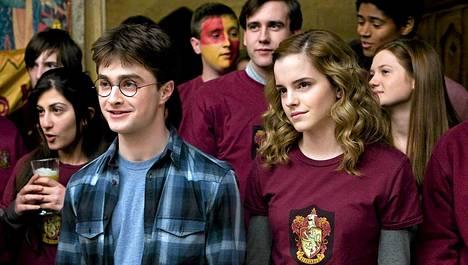 Daniel Radcliffe Emma Watsonin rinnalla vuonna 2009.