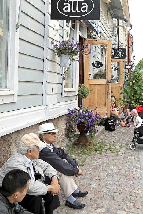 Vanhan Porvoon kaduilla eivät autot aja.
