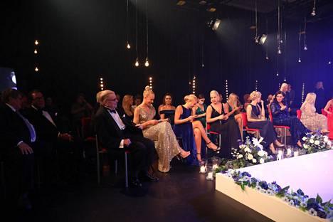 Kasvomaskeja ei Miss Suomi -finaalin yleisössä nähty, vaikka niitä tarjottiin jokaiselle paikalla olleelle.