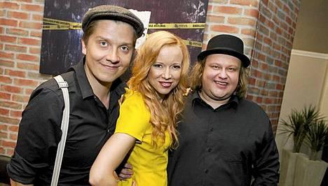 Eero Ritala, Johanna Koivu sekä Tuomas Uusitalo (oik) ovat mukana uudessa Sing Along -lauluohjelmassa.