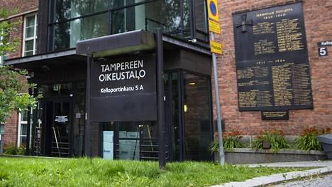 Puolalaisesta pyramidihuijauksesta peräisin olevien rahojen kohtaloa puitiin Tampereella Pirkanmaan käräjäoikeudessa.