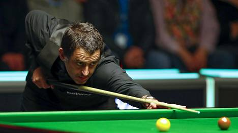 Ronnie O'Sullivan näytti hurjaa pelinopeuttaan snookerin MM-kisojen ensimmäisellä kierroksella.