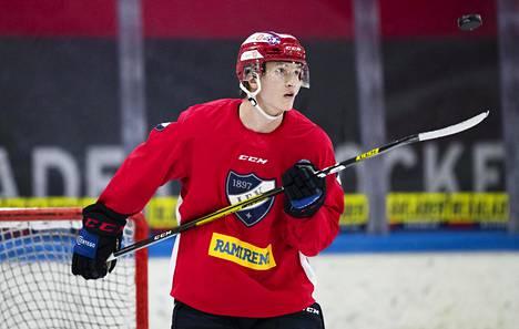 Florida Panthers varasi Anton Lundellin tämän vuoden draftissa. Kuva HIFK:n harjoituksista syyskuulta.